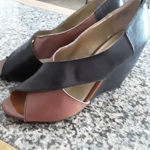 Shoes  Brand new !!women